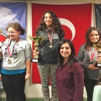Helin Beren 12 Yaş Kızlar İzmir Satranç Şampiyonu oldu