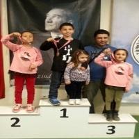 İzmir Yaş Grupları Satranç Şampiyonası'nda Madalyalarımız